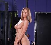Nina Hartley and Roxanne Hall's Kinky Threesome 29