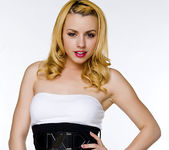 Lexi Belle's Ready for a Hot Night 10