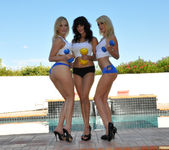 Alexis Texas and Sunny Leone Play with Monique Alexander 5