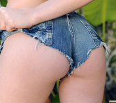 Kagney Linn Karter - Naked Feet and Big Breasts 17