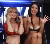 Nina Hartley Has Her Way with Jessica Jaymes 16