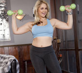 Sarah Vandella Staying in Shape 6