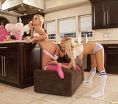Jenna Presley and Sarah Vandella - Cute in the Kitchen 25