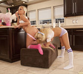 Jenna Presley and Sarah Vandella - Cute in the Kitchen 26