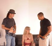 Nina Hartley Gets a 2 on 1 2
