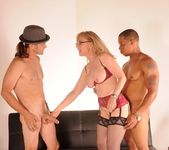 Nina Hartley Gets a 2 on 1 8
