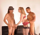 Nina Hartley Gets a 2 on 1 9