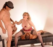 Nina Hartley Gets a 2 on 1 21