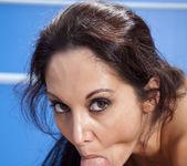 Sarah Vandella Sharing a Blowjob Split 25