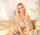 Tasha Reign Knows How to Show It 19