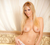 Tasha Reign Knows How to Show It 29