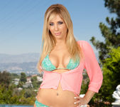 Tasha Reign is Letting the Heat Out 3