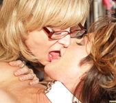 Deauxma Gets Kinky with Nina Hartley 2