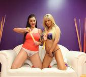 Tasha Reign and Taylor Vixen - Bubbles and Tips 3