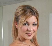 Shelby Bell, Joey 18