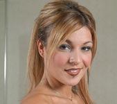 Shelby Bell, Joey 19