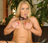 Lexington Steele Slame His Massive 11-Incher Up Heidi 10