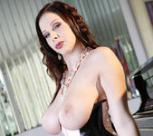 Gianna Michaels Strips Down And Shows Off Her Sweet Jugs 2