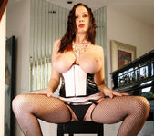 Gianna Michaels Strips Down And Shows Off Her Sweet Jugs 5