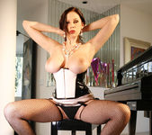 Gianna Michaels Strips Down And Shows Off Her Sweet Jugs 12