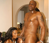 Ebony Babe Naomi Banxxx Gets Fucked And Facialized 11