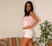 Beautiful Simone Peach, the expert multi-tasker 3