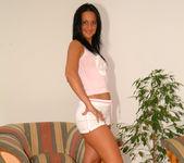 Beautiful Simone Peach, the expert multi-tasker 4