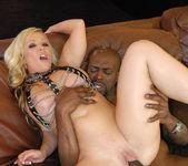 Blonde Babe Austin Taylor Pics 7
