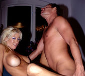 Jill Kelly 26