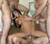 Tera Leigh vs Five Guys 4
