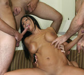 Tera Leigh vs Five Guys 5