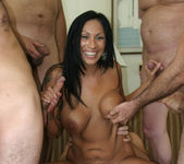 Tera Leigh vs Five Guys 7