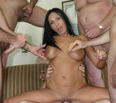 Tera Leigh vs Five Guys 9