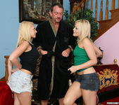 Cum Swapping Threesome with Alexis Texas and Kagney Linn 2