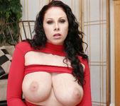 Gianna Michaels Valentine Strip & Blowjob 14