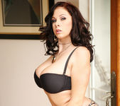 Gianna Michaels Gets Naked and Gets Fucked 8