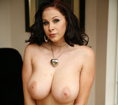 Gianna Michaels Gets Naked and Gets Fucked 16