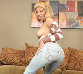 Melrose Foxxx's Eager Ebony Bottom 9