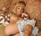 Melrose Foxxx's Eager Ebony Bottom 15
