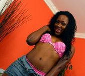Ms Platinum - Ebony Tease Needs to be Pleased 10