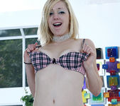 Nikki Mae and Rylie Richman On Each Others' Toys 14
