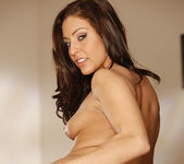 Gracie Glam's Naked Body, plus a 2 on 1 30