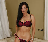 Dylan Ryan Has a Hot Pie for India Summer 4