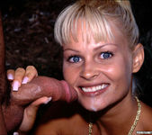 Nikki Anderson Gets Anal Outdoors 20