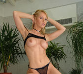 Marie Bellucci and Linda Shane Escape to an Anal Threesome 10