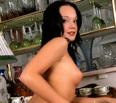 Suzy Anderson Knows How to Use It 4