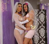 Sinn Sage and Tanya Tate Get Wedding Photos 3