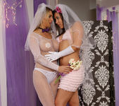 Sinn Sage and Tanya Tate Get Wedding Photos 4