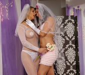Sinn Sage and Tanya Tate Get Wedding Photos 5