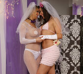 Sinn Sage and Tanya Tate Get Wedding Photos 9